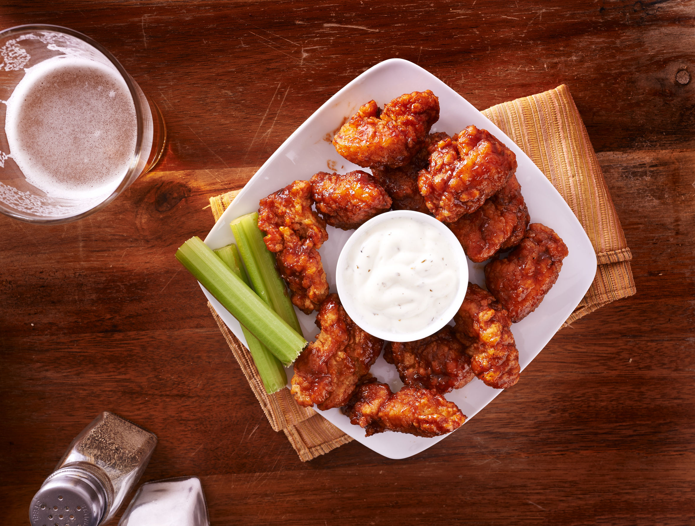 buffalo boneless wings with ranch and celery